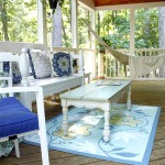 Relaxing Screened Porch