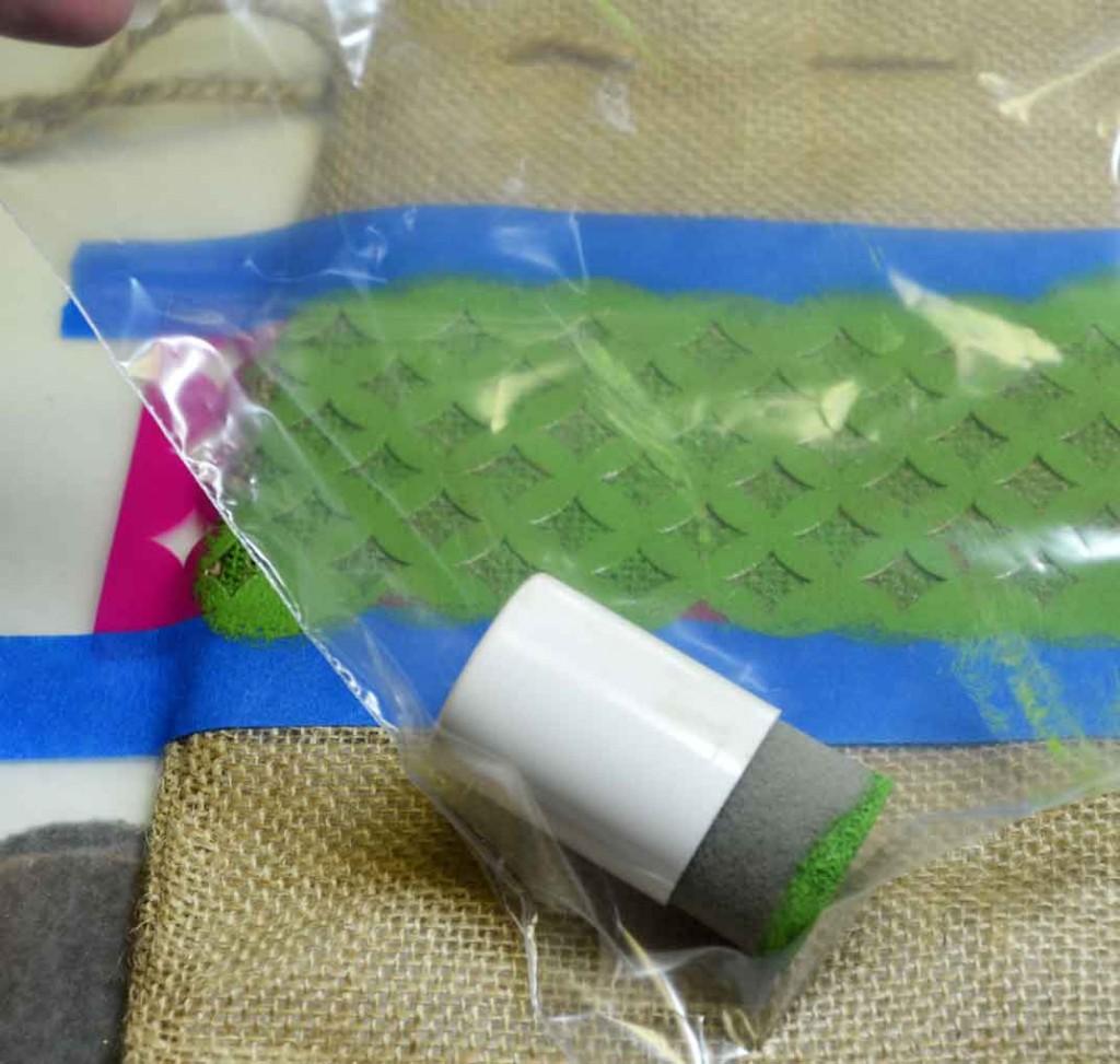 Stenciled-Burlap-Bags