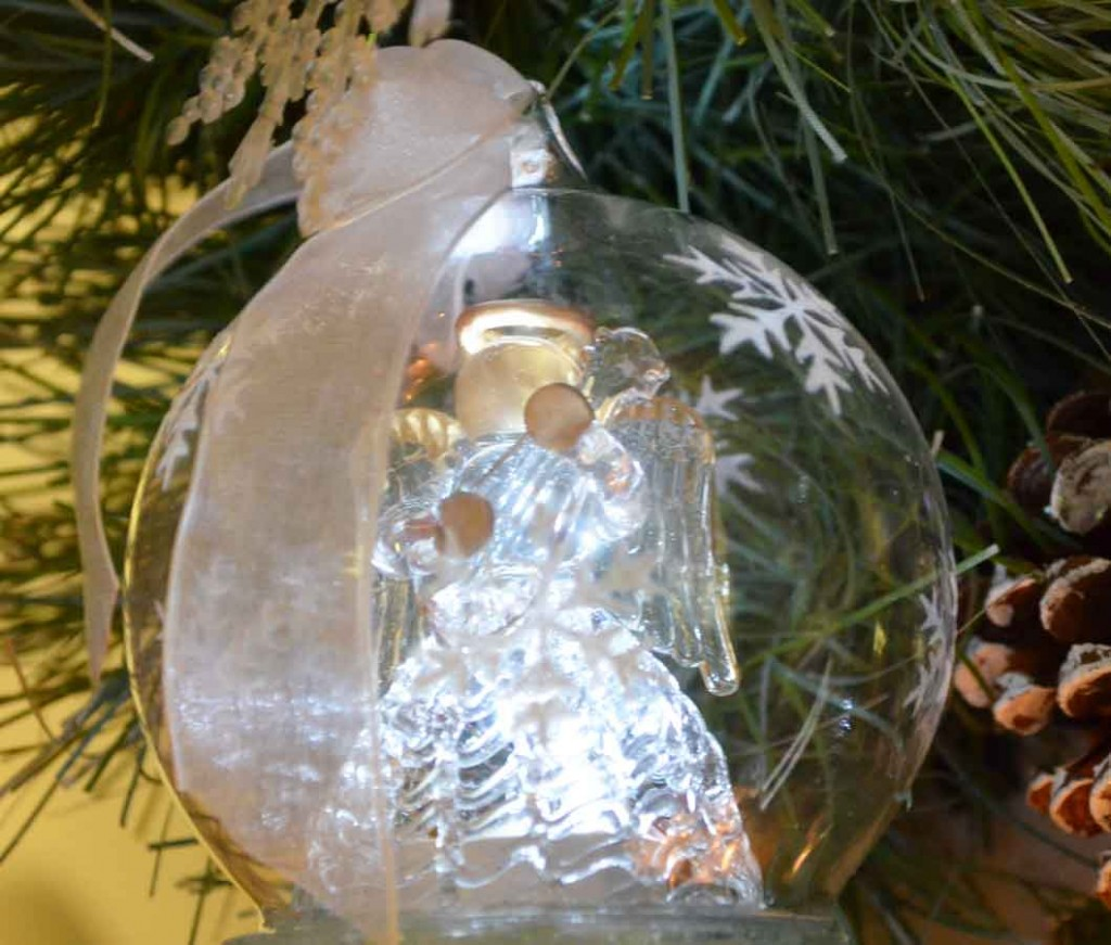 Glitter-Christmas-Village