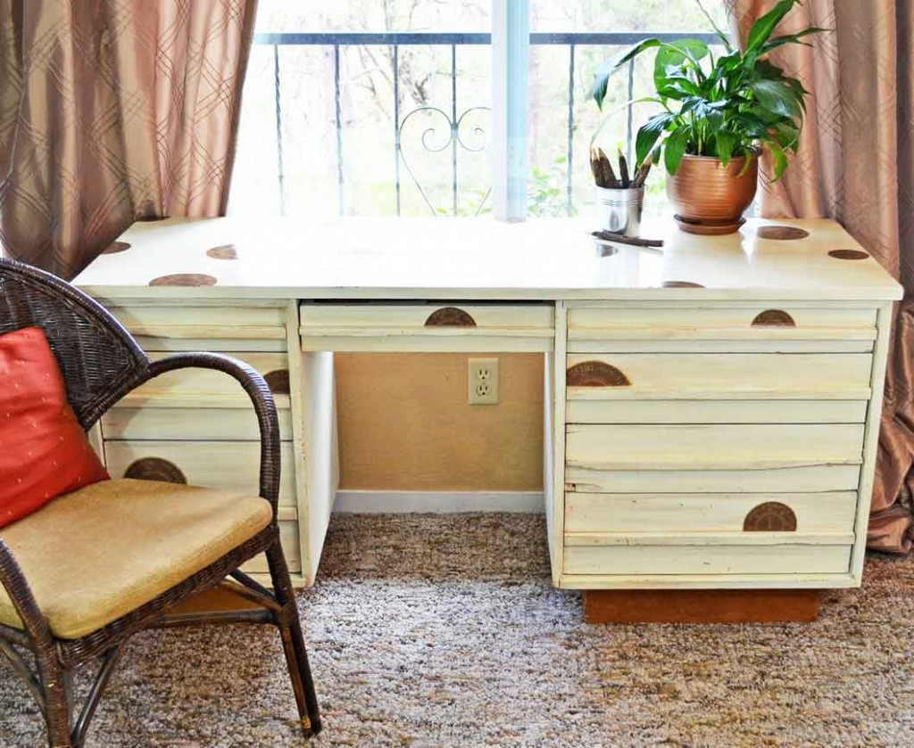 how to antique desk in 4 easy steps