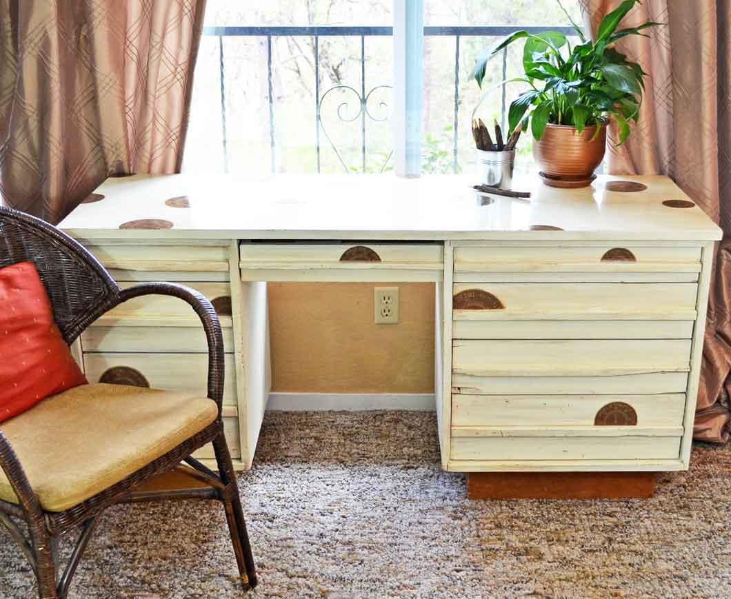 how to antique desk in 4 easy steps - How To Antique A Desk In 4 Easy Steps