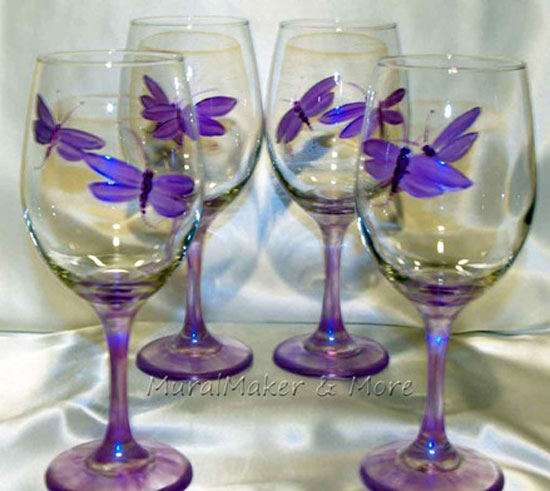 handpainted-wineglass-dragonfly