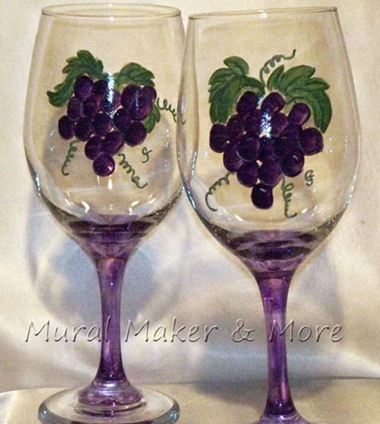 handpainted-wineglass-grapes