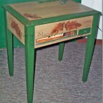 painted-pinecone-table
